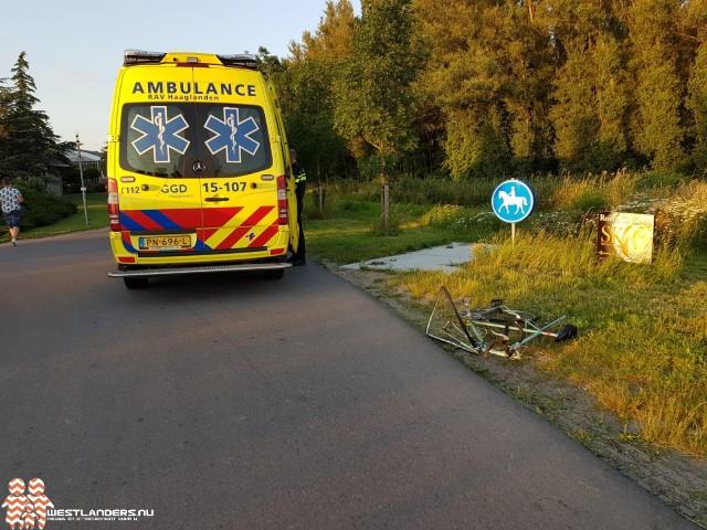 Wielrenner botst tegen vrachtwagen