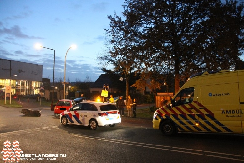 Scooterrijder gewond na ongeluk Dijkshoornseweg