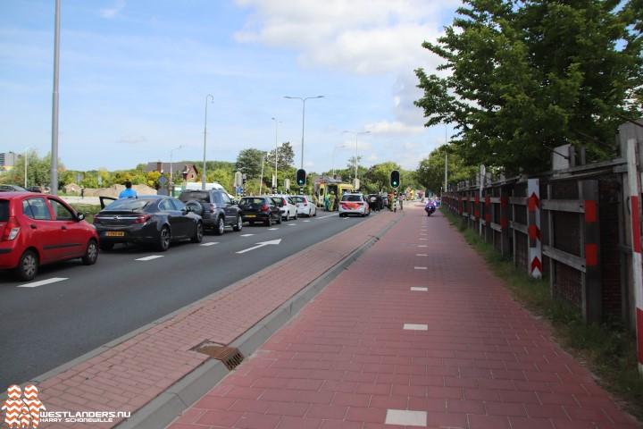 Gewonde bij twee ongelukken Poeldijkseweg