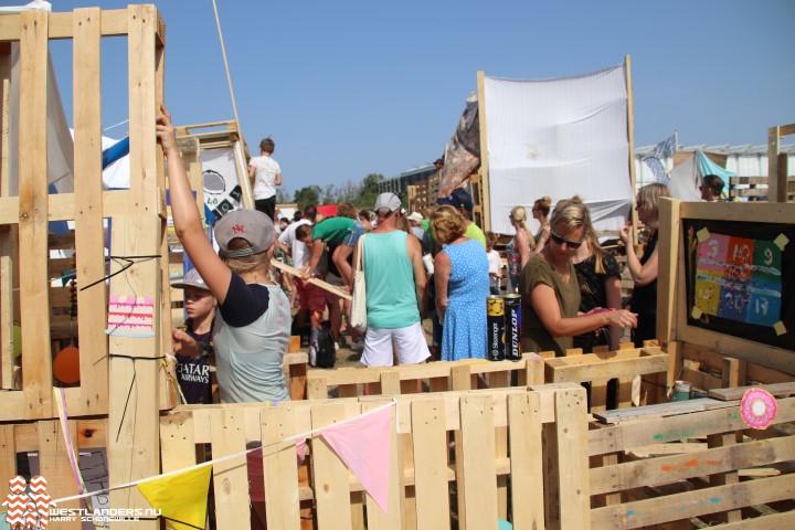 Tropische huttenbouw 2019 in Naaldwijk