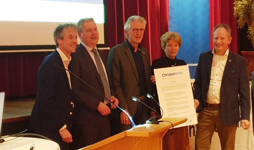 ChristenUnie SGP Westland tekent woonmanifest
