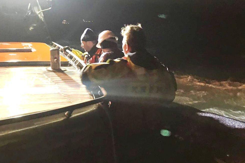 Nachtelijke evacuatie machinist van zeeschip