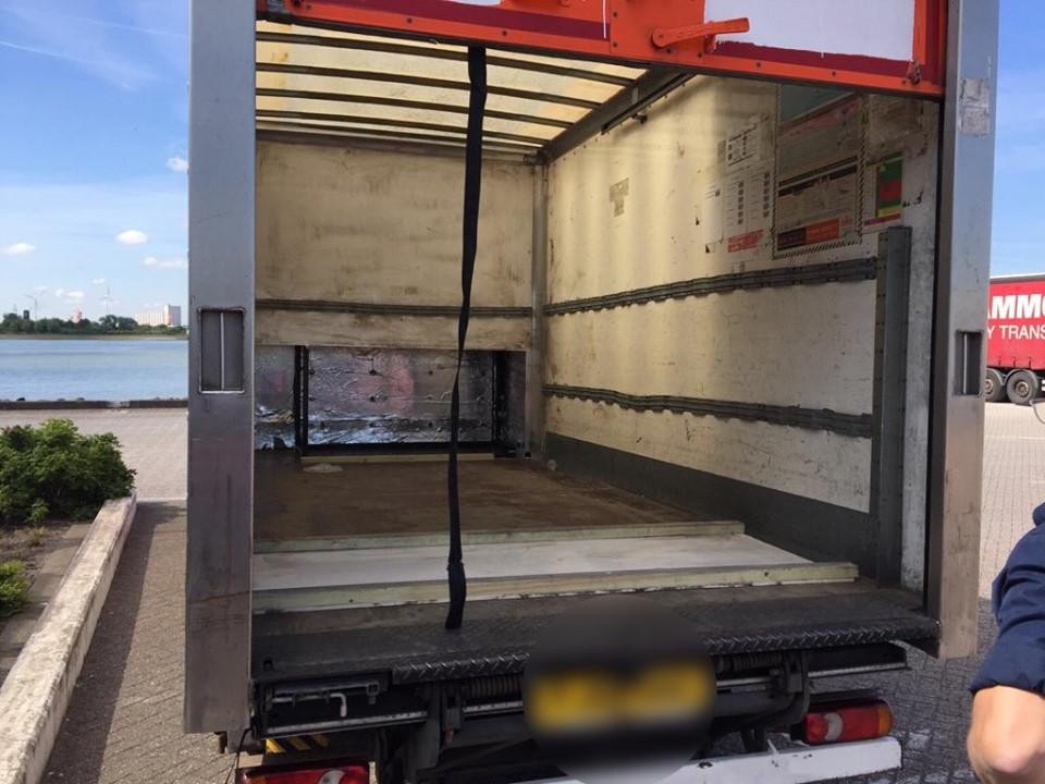 Vreemdelingen aangetroffen in vrachtwagens