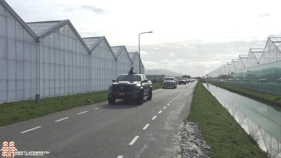 Ronkende voertuigen door de Molenbroeklaan