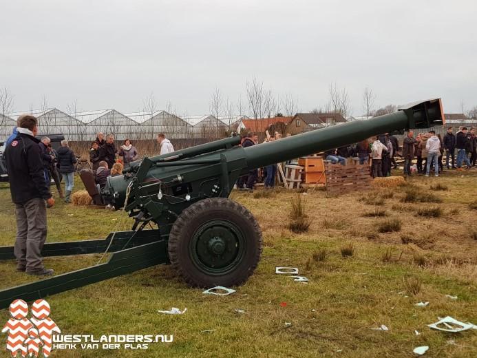 Carbidschieten met zelfgemaakte artillerie