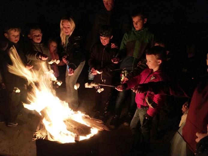 Lichtjestocht Scouting Polanen druk bezocht