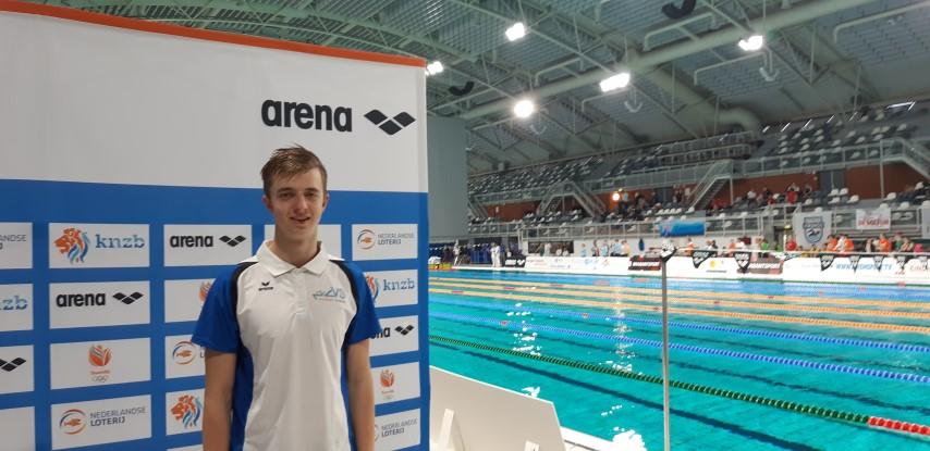 Niels Dijkshoorn en Jelle Bon in actie tijdens NK zwemmen