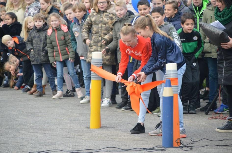 Opening WSKO Mariaschool Schoolplein en label School op Seef