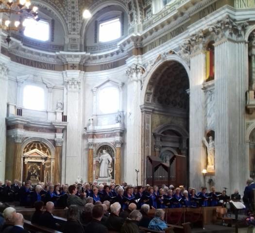 Indrukwekkende Eucharistieviering in de Basiliek van Oudenbosch