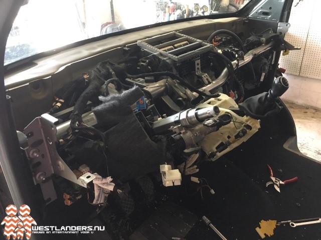 Volkswagen Transporter binnen 3 uur gestript terug gevonden