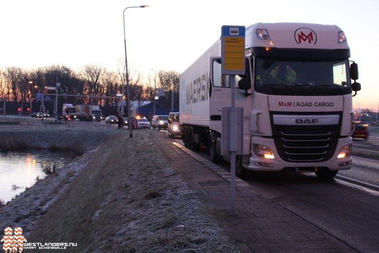 Scooter in botsing met vrachtwagen