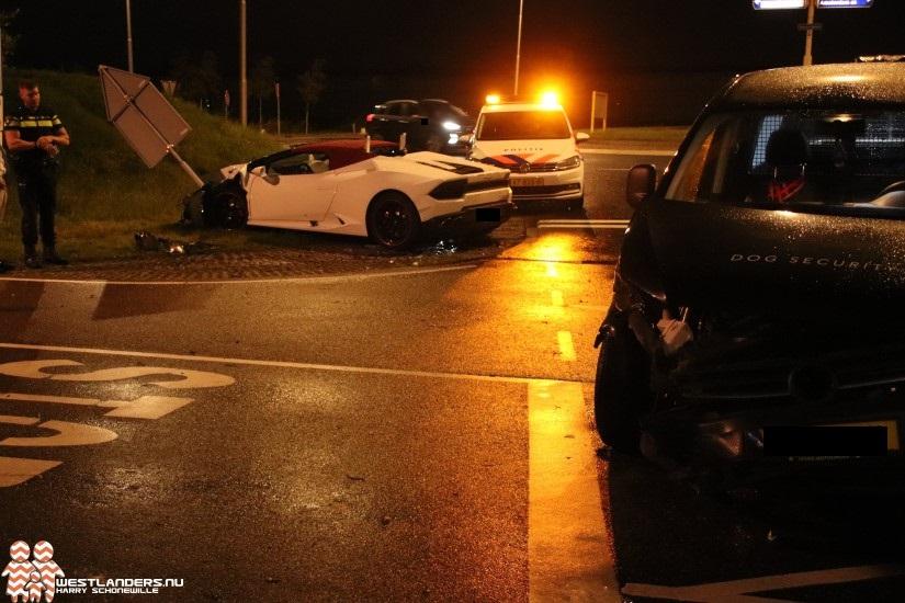 Flinke klapper met peperdure Lamborghini bij Pettendijk
