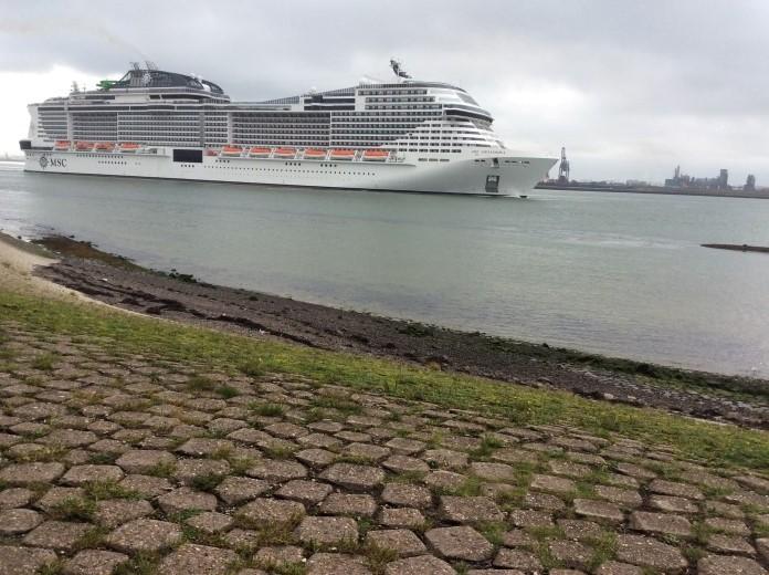MSC Grandiosa vertrokken uit Rotterdam