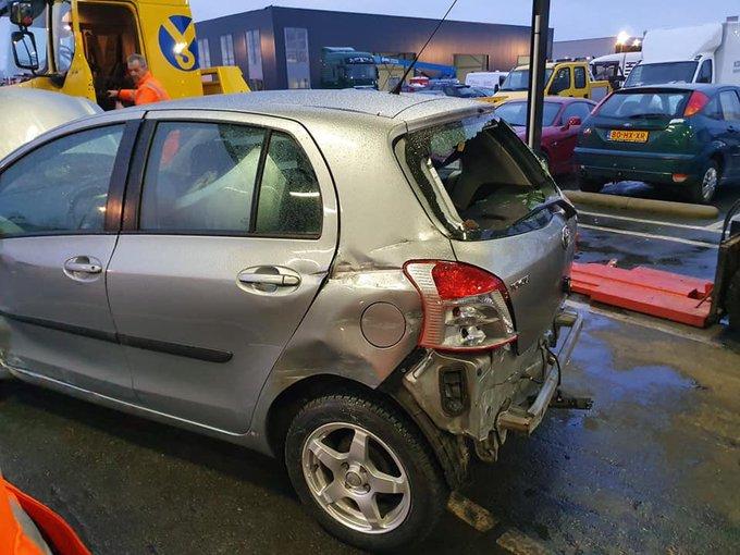 Chauffeur doorgereden na ongeluk op A4