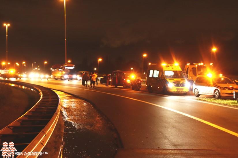 Gewonde bij ongeluk oprit A4 Den Hoorn