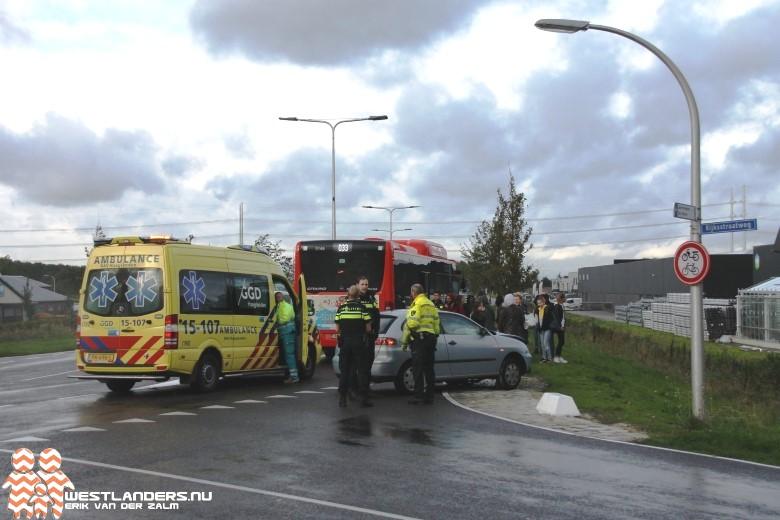 Lijndienst 33 gestrand na ongeluk Zuidhoornseweg