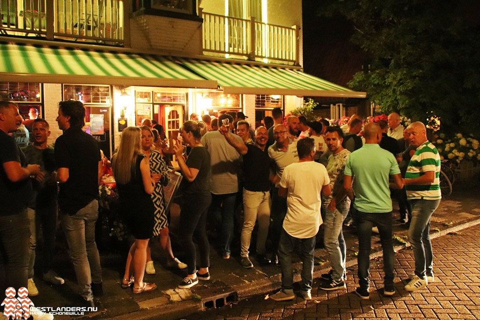 Nostalgie tijdens afscheidsfeest café de Luifel