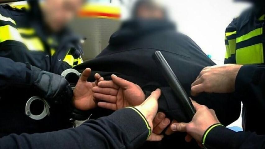 Dronken Poeldijker bedreigt en beledigt agenten