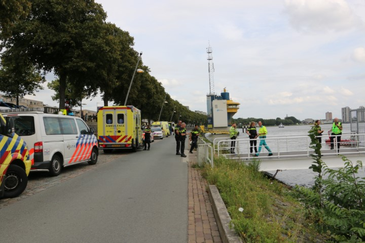 Dode na ongeluk met snelle RIB bij Nieuwe Maas