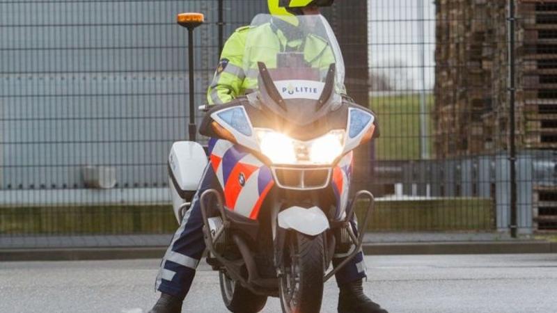 Trouwstoet in Rotterdam vijftien bekeuringen rijker