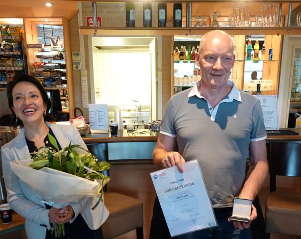 NOB-erepenning voor lid van Duikteam H2O Westland