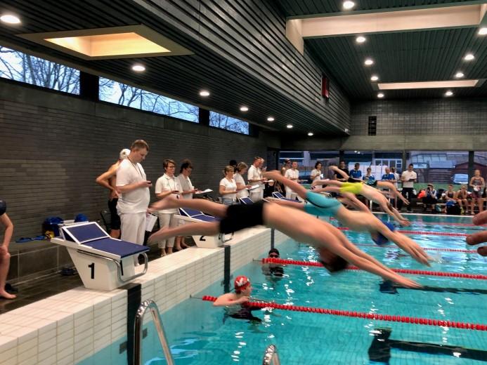 Westland Swimming Stars Nuijten en Boekestijn behalen eremetaal