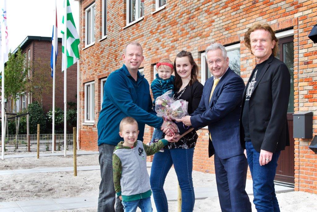 Eerste sleutels uitgereikt bij huurwoningen Molenstraat