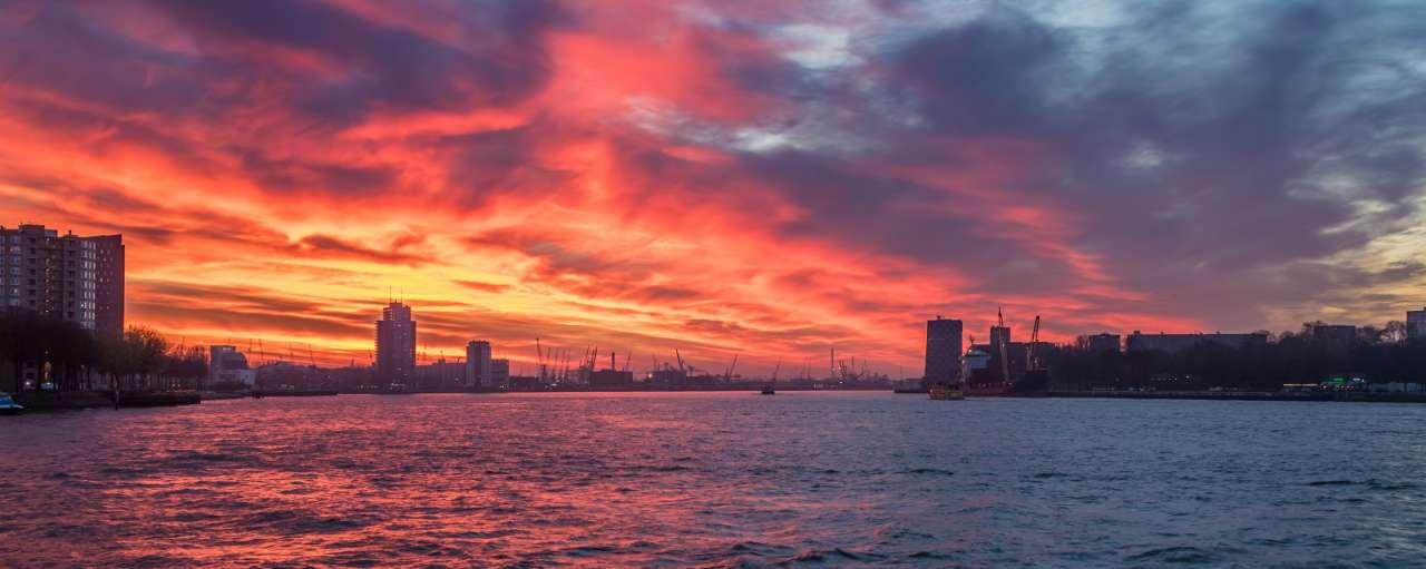 Kritiek op 'risicovolle' warmteverbinding tussen Rotterdam en Leiden