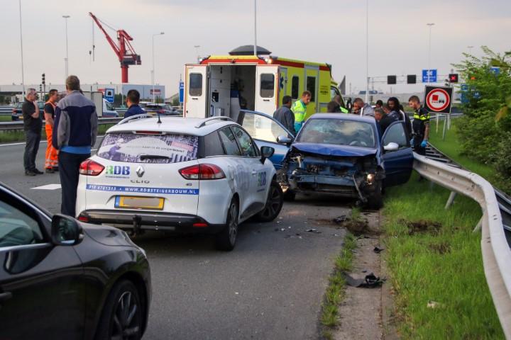 Gewonde en gedoe na ongeluk bij Beneluxtunnel