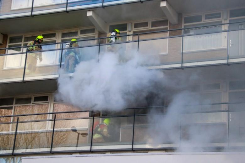 Vlaardingen - Dode bij brand in woning
