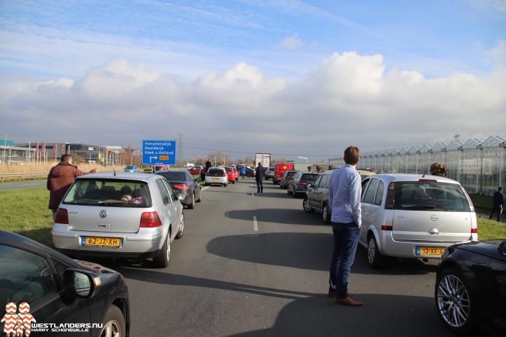 Ongeluk op de Wippolderlaan zorgt voor verkeerschaos