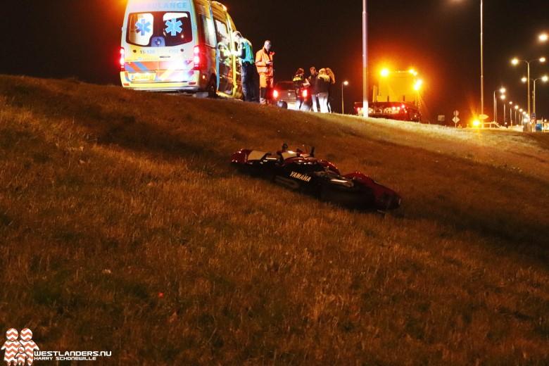 Motorrijder licht gewond na schuiver op N220