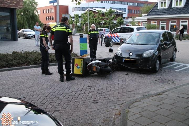 Pizzakoerier gewond bij ongeluk Hoflaan