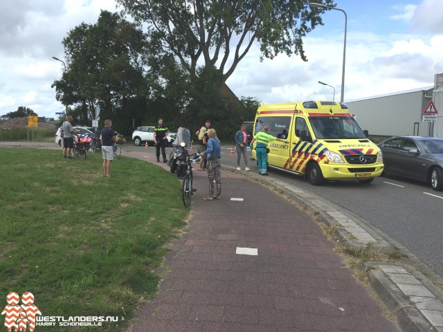 Twee gewonden bij ongeluk Rijnvaartweg