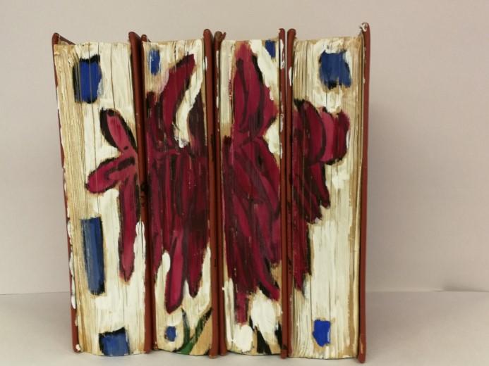 """Solo expositie van Adrie Huisman in Hofboerderij: """"Book Art""""."""