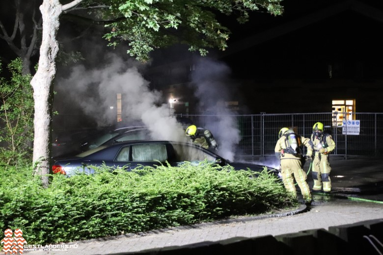 Autobrand aan de Dokter Schaepmanstraat