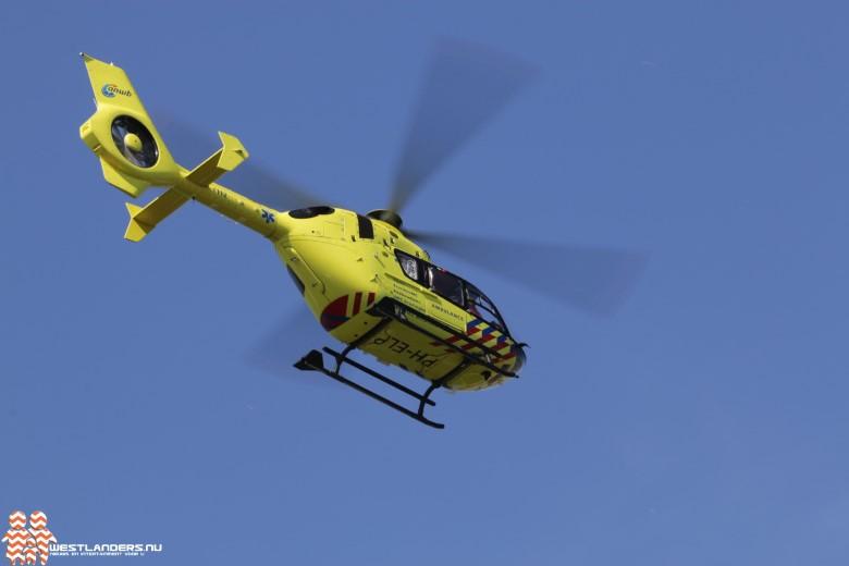 Traumahelikopter voor medische noodsituatie in woning