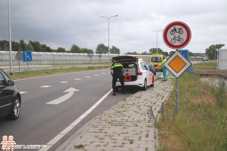 Ongeluk bij rotonde Woudseweg N223