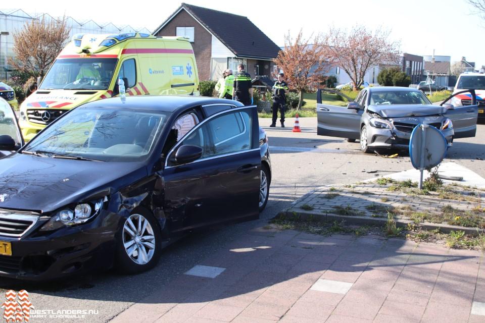 Vrouw gewond bij ongeluk Burgerweg