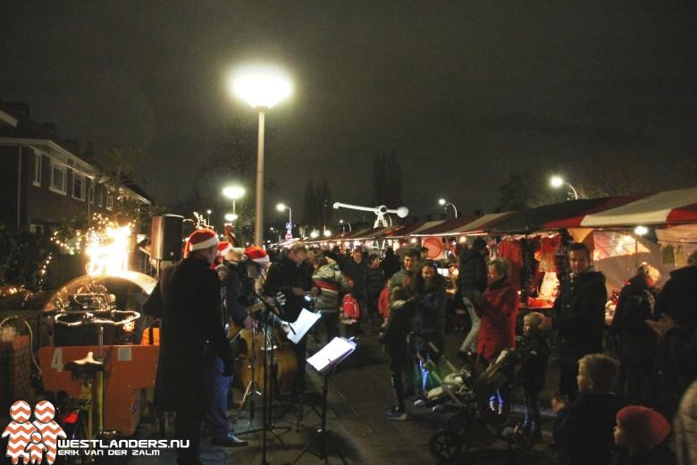Kerstmarkt in centrum Den Hoorn