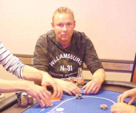 Iwan van de Luijtgaarden Online Pokerkampioen van Monster.