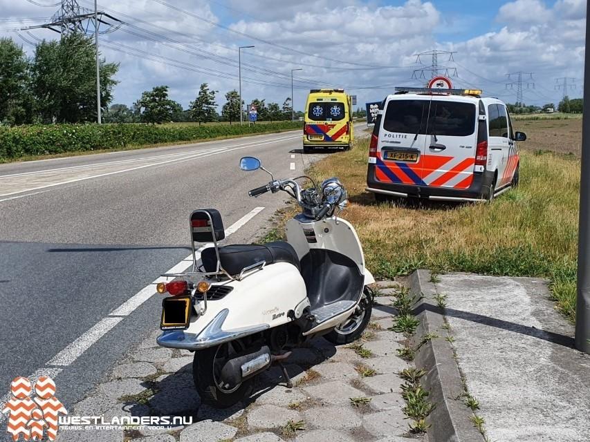 Scooterrijder onder invloed onderuit op N223