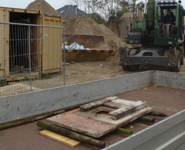 Twee zware bunker onderdelen naar museum
