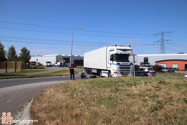 Verkeer loopt vast op N222 na ongeluk met motor