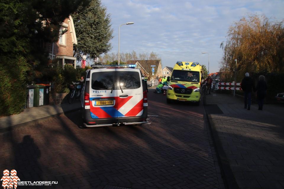 Bejaarde fietsster gewond na ongeluk Endeldijk