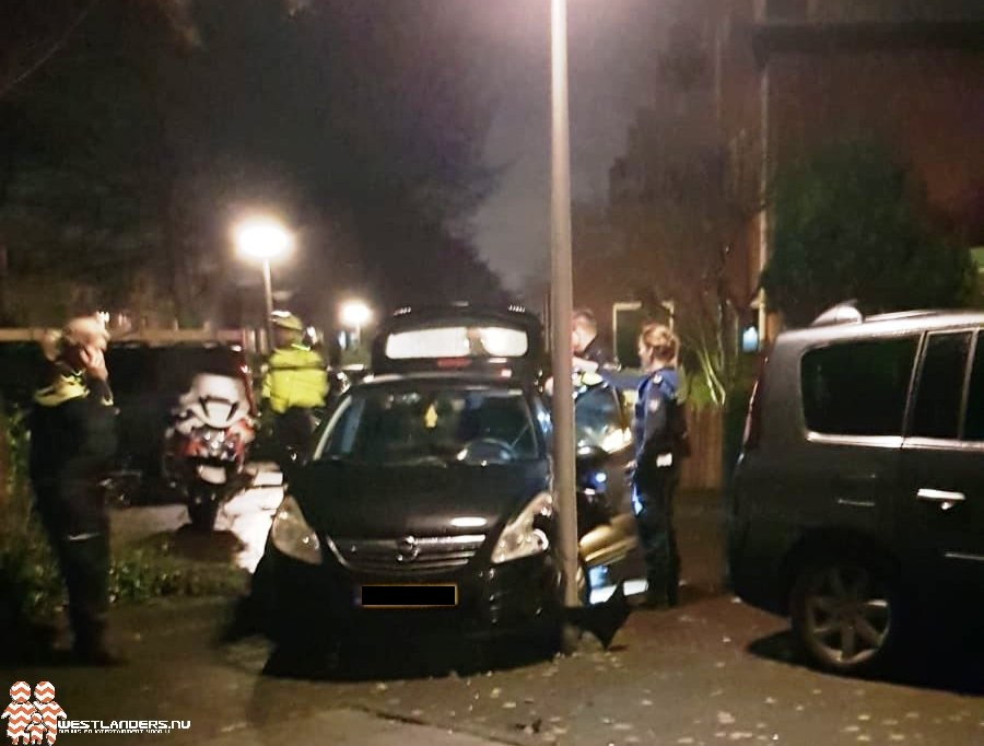 Auto crasht na achtervolging politie