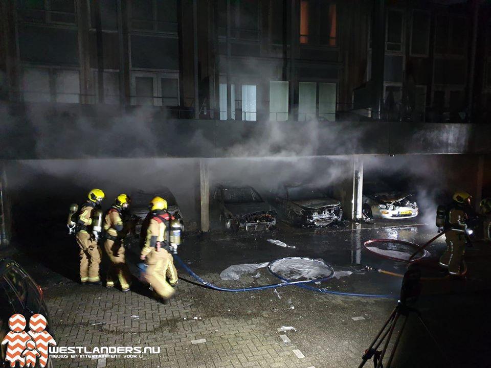 Getuigen gezocht na autobranden Laan van Wateringse Veld