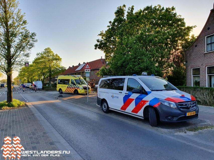 Wielrenner gewond na botsing met busje