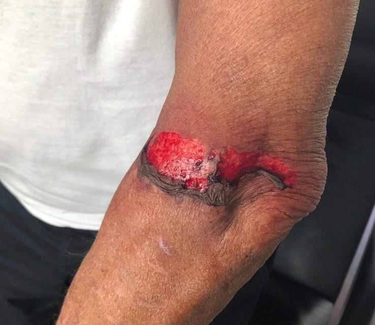 Bejaarde mishandeld door wielrenner