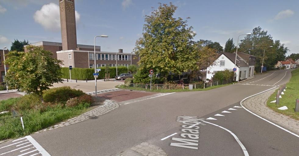 Collegevragen inzake kruising onderpad Maasdijk-Prinsenlaan